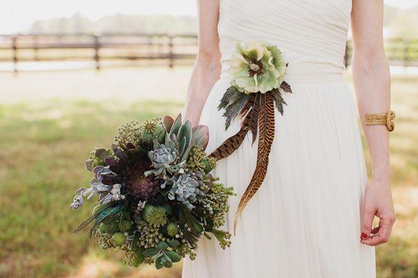 Que lindo! puede ser un tocado o un accesorio para darle ese toque extra al vestido!