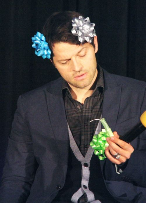 cas: i dont understand dean is it customary to wear bows on your body? dean*snicker* yeah cas
