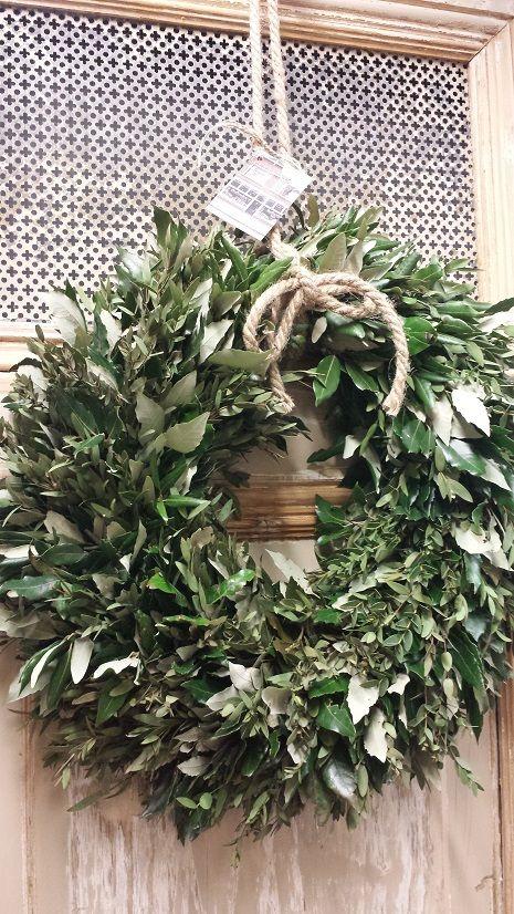 Prachtige Hand Made Krans Van Steeneik En Eucalyptus Aan Stoer Touw Kransen Op Maat Goedgevonden In Koog Rustieke Kransen Deco Kransen Zelfgemaakte Kransen