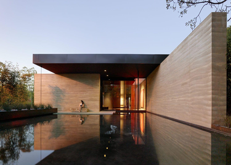 Windhover contemplative center arcitektur mi casa su for Earthen home designs