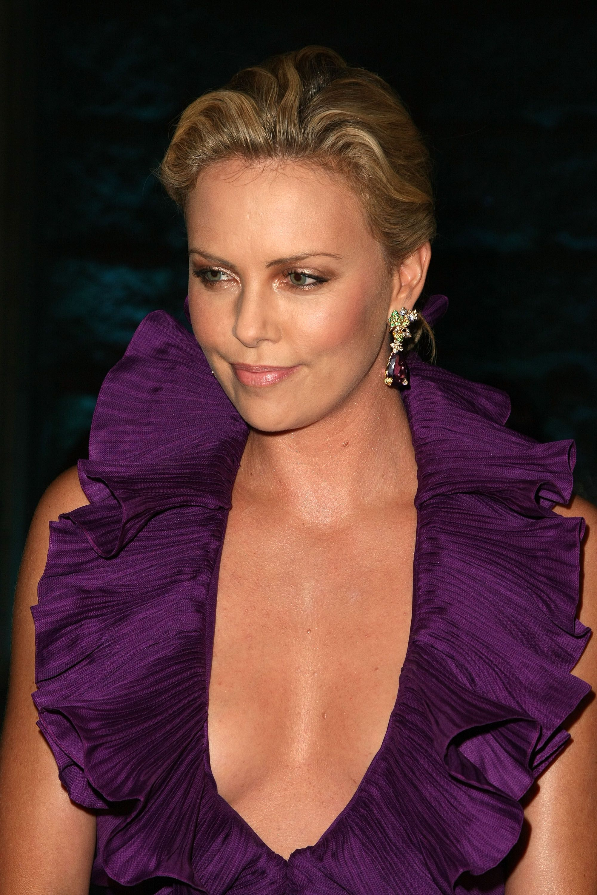 Charlize Theron Loved Her Lesbian Sex Scene in Atomic