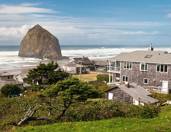 Nat Geo Staff Picks America S Best Beach Towns Intelligent Travel Photograph Of Haystack Rock Cannon Oregon Usa