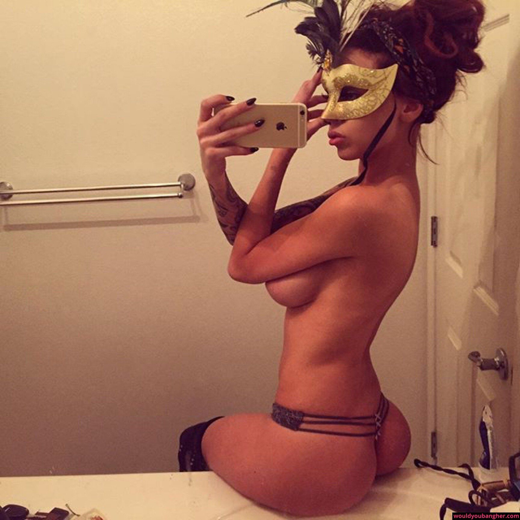 sexy bathroom selfies