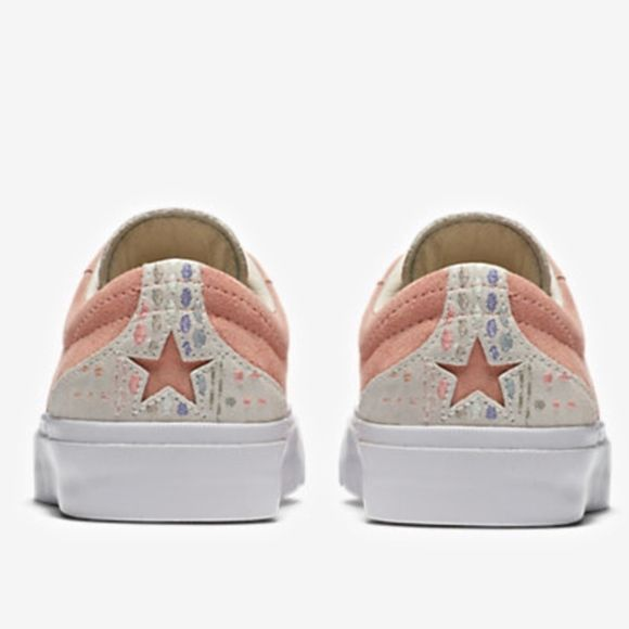 205126f4c1555d Converse One Star CC Suede Embroidery Low Top 8 + brand new with original  box +
