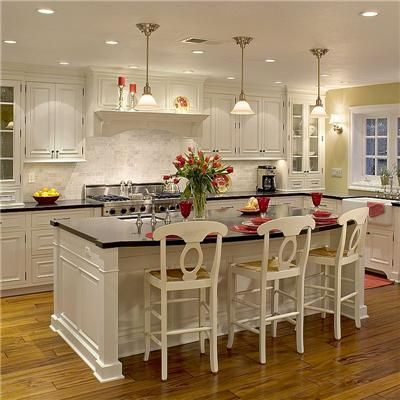 Classic Traditional Colonial Kitchen White Kitchen Traditional Kitchen Bathroom Remodel Traditional Kitchen