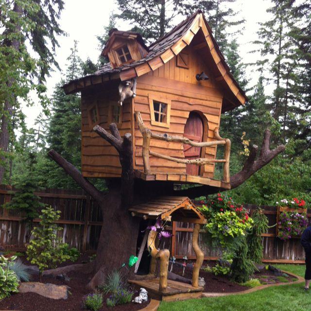 Pin By Vicki Hern On Tree Play Houses Tree House Dream Backyard House Built