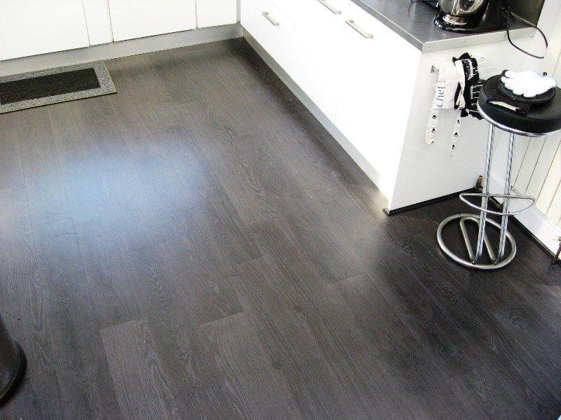 Piso De Cocina Gris, Dark Grey Laminate Flooring Ideas