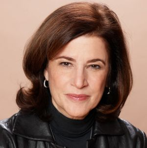 "March 24, 2014~ ""Mind in the Making- Helping Children Take on Challenges"" with Ellen Galisky, President/Co-Founder of Families and Work Institute, New York, NY Hear this interview in full at: http://www.latalkradio.com/Players/Lon.shtml?date=March+24,+2014&file=032414"