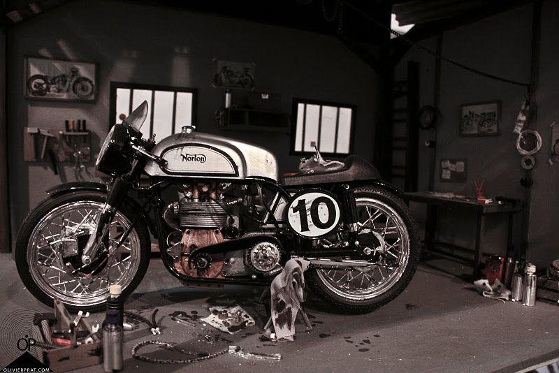 Norton Cafe Racer.