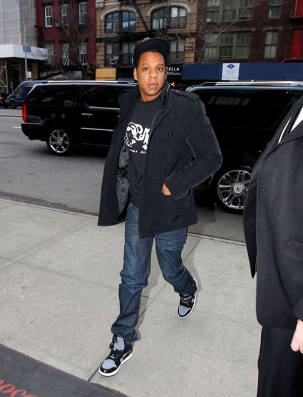 Jay-Z wearing Air Jordan I 1 Mid Jumpman 23 Pinterest Air - copy jay z the blueprint 2 zip