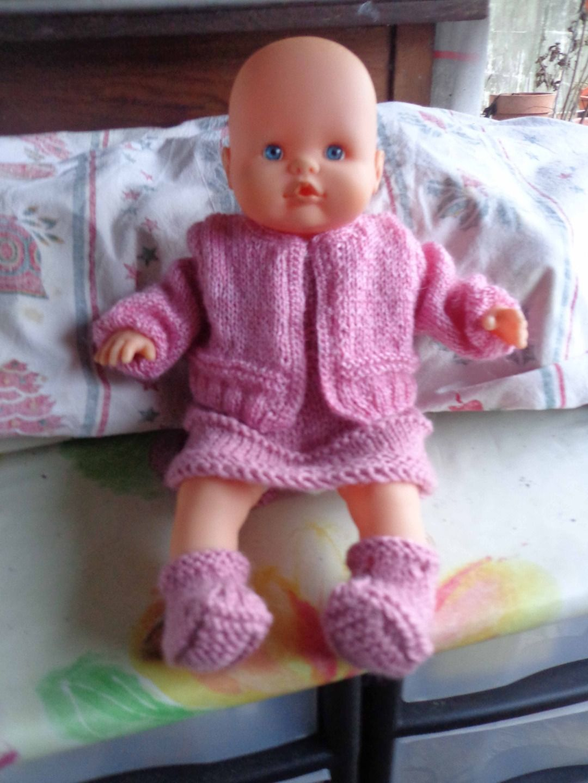 6a86d4a3702dd ensemble rose en tricot pour poupon de 35 cm   Jeux