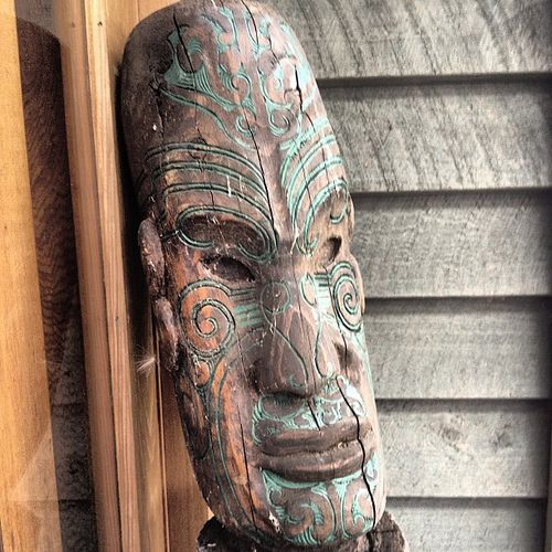 Maori carving from new zealand art and kiwiana