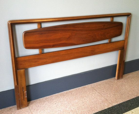 Bedroom Decorative Queen Headboard Photo Of Fresh At Decor 2015 Mid Century  Modern Headboard mid century modern headboard Mid Century Modern Headboard Heres an incredible mid century full queen walnut headboard  . Mid Century Modern Lane Bedroom Furniture. Home Design Ideas