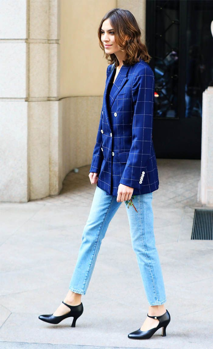 Alexa Chung S New Jeans Will Make Your Legs Look Twice As Long