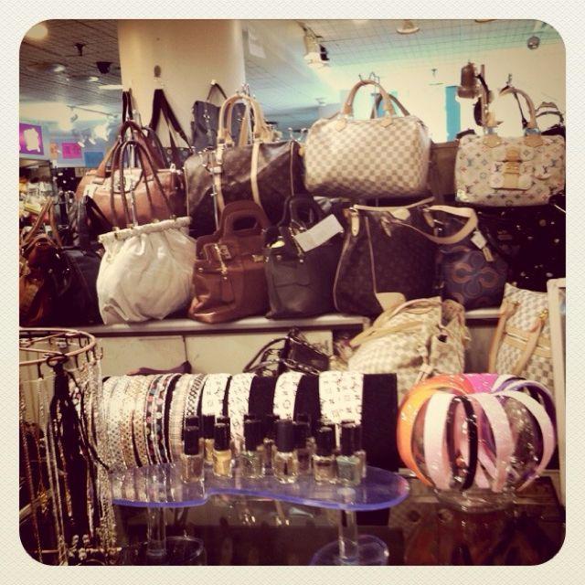 925bbd70b370 Chinatown: Fake Designer Bags. | Toronto | Fake designer bags, Bags ...