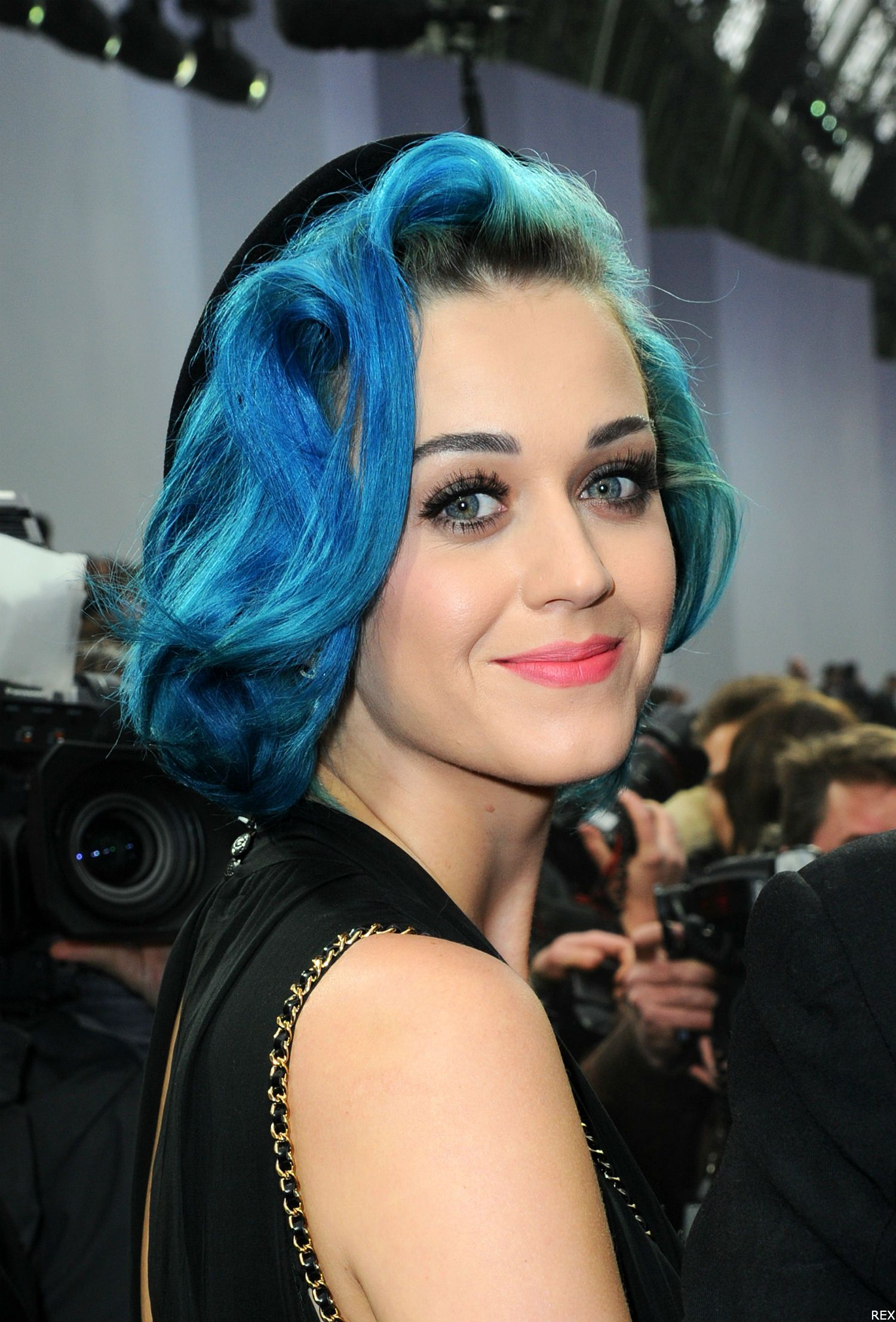 Katy Perry with electric blue hair at Paris Fashion Week