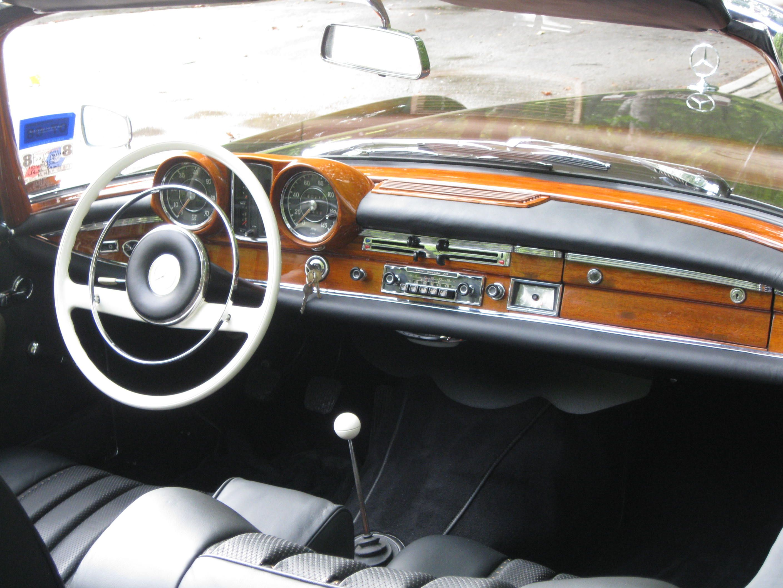 Mercedes Benz W111  220 SE Cabriolet restored by www.silverstarrestorations.com