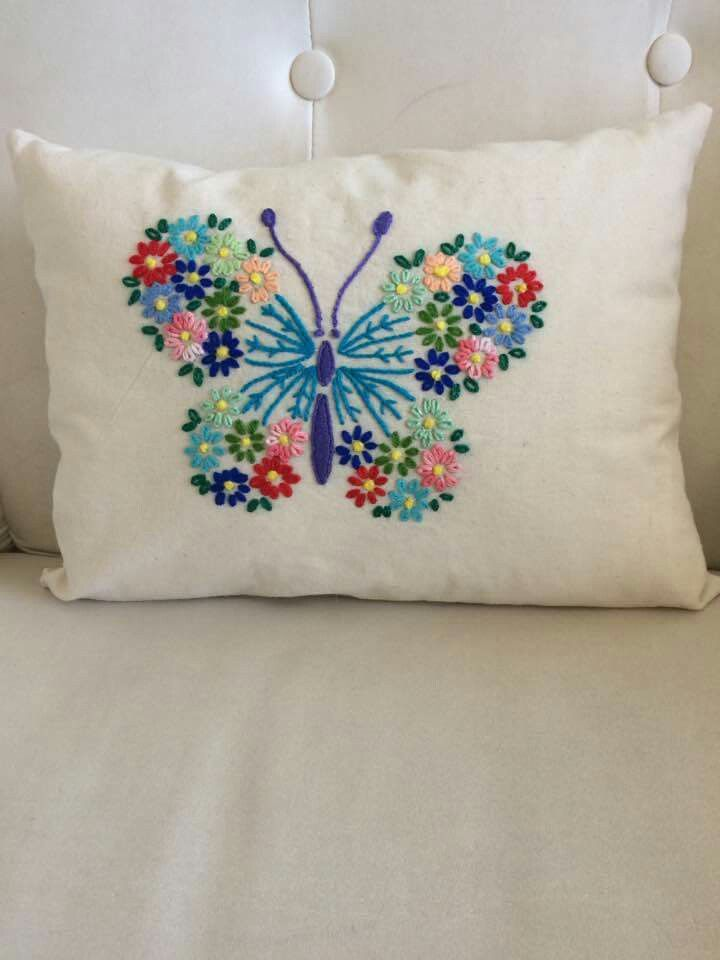 Pin de lucero ramos en almohadas pinterest bordado - Almohadas para cama ...