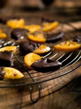 Gekonfijte sinaasappelschijfjes met chocolade   Spar