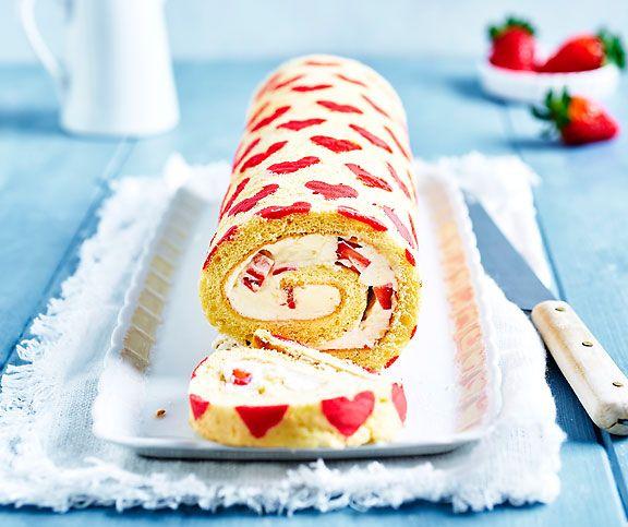Erdbeer-Herz-Roulade