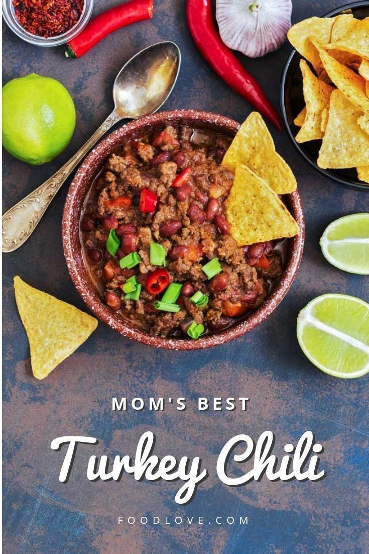 This warm, spicy turkey chili is a tried and true recipe your family will request again and again! High in protein, low in fat, and full of healthy veggies. #chili #turkeychili #healthyrecipes #dinnerrecipes #dinnerideas #familyfavorites #homemade #homecooking #homecookingrecipes #foodlove