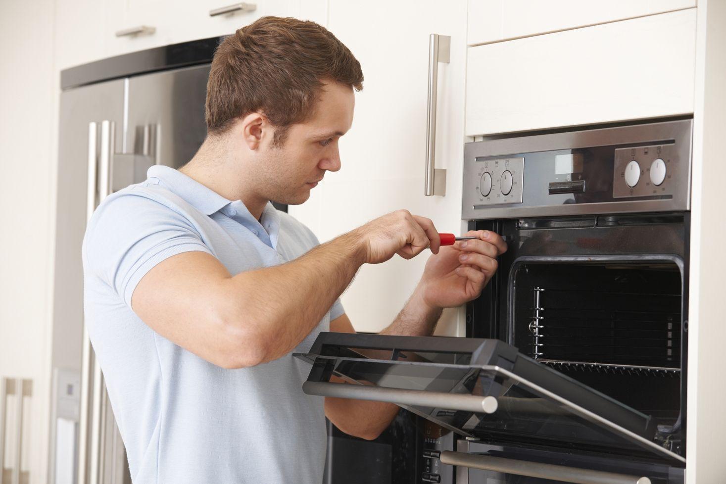 Manchester Electrician provides domestic service
