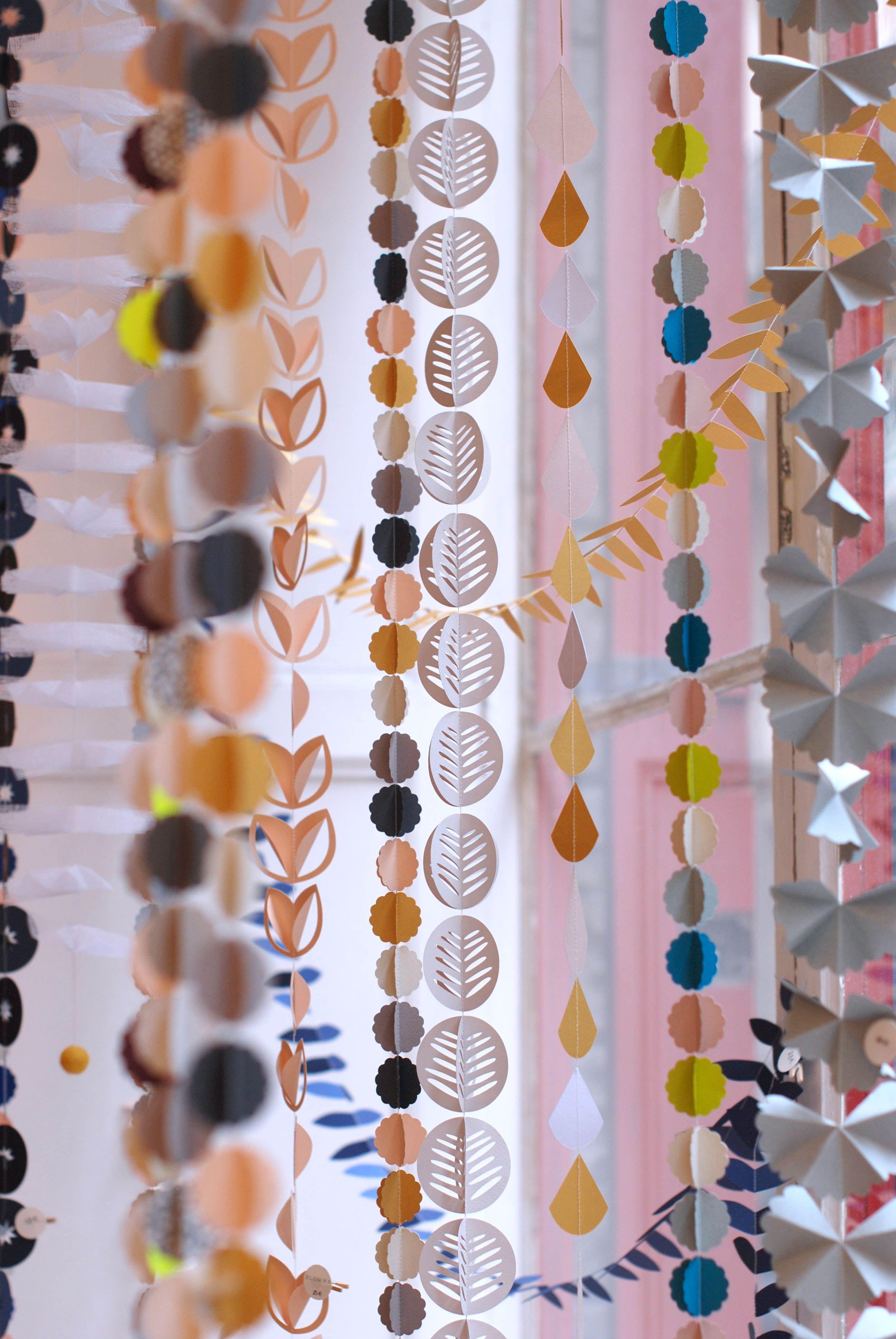 guirlandes en papier Miavril / handmade paper garlands by