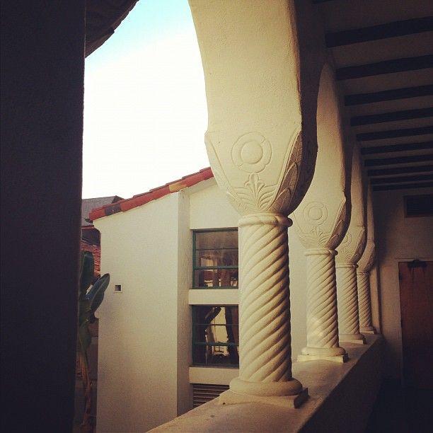 @sarahwillerrr  #sdsu #spanisharchitecture #beautiful #itsnopointloma #class #afternoonheat