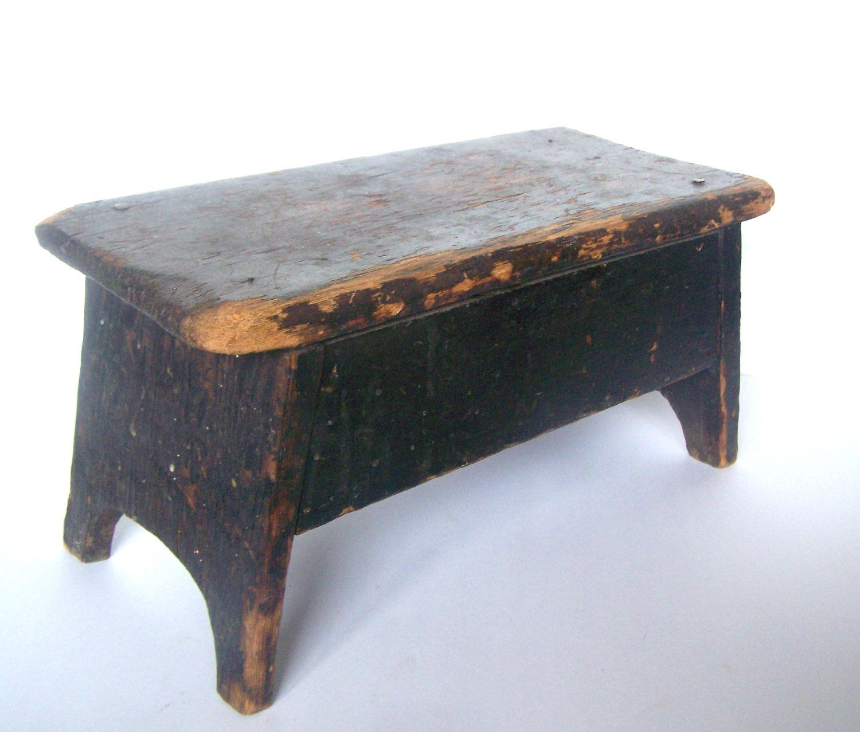 Phenomenal Primitive Stool 41 00 Via Etsy Its A Country Black Dailytribune Chair Design For Home Dailytribuneorg