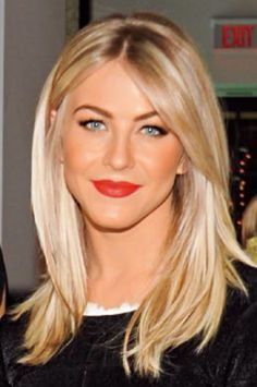 Julianne Hough Blonde Haare Frisuren Mittellanges Haar Blond Haarschnitt
