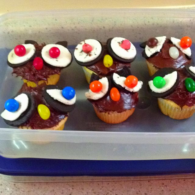 Owl Cupcakes Super easy to make Cake mix of your choice chocolate