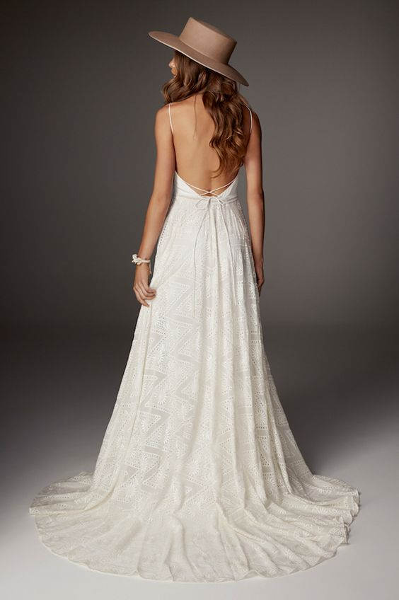 Brautkleider mit tiefem Rücken | Brautkleider, Hochzeitskleider und ...
