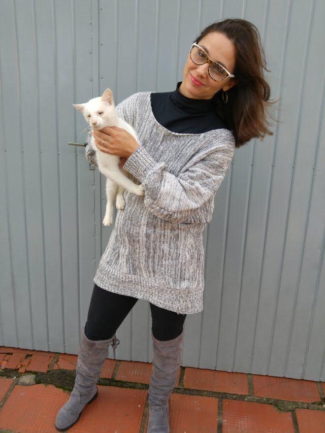 Blog Femina - Modéstia e Elegância: Suéter cinza, legging preta, over the knee cinza