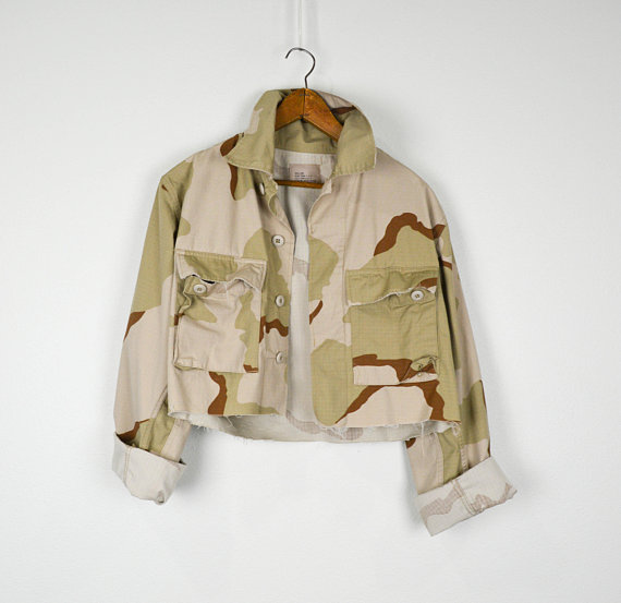 Cropped Camo Jacket Small, Vintage Clothing, 90s Clothing, Grunge Jacket, Small, Hipster, Military, Army, Distressed, Camoflauge, Raw Edge is part of Vintage Clothes Grunge - JusticeAndFreedom ✩ Check out our policy page to ensure a successful transaction   CF