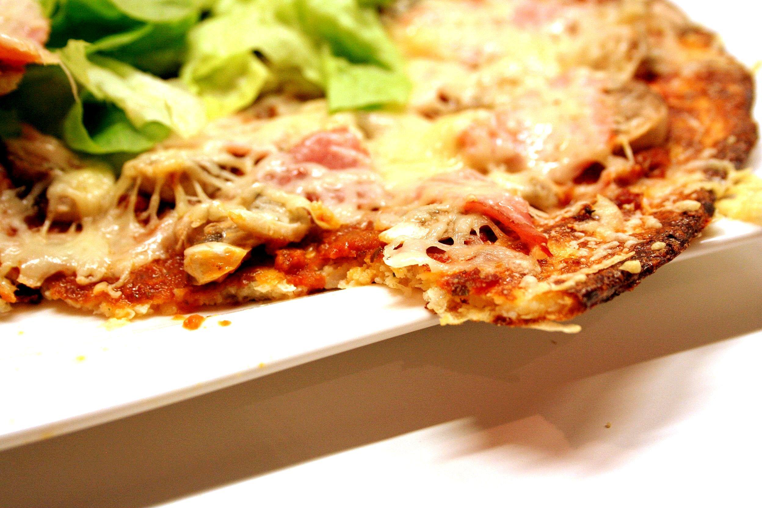 Grillée et succulente pâte à pizza au chou fleur