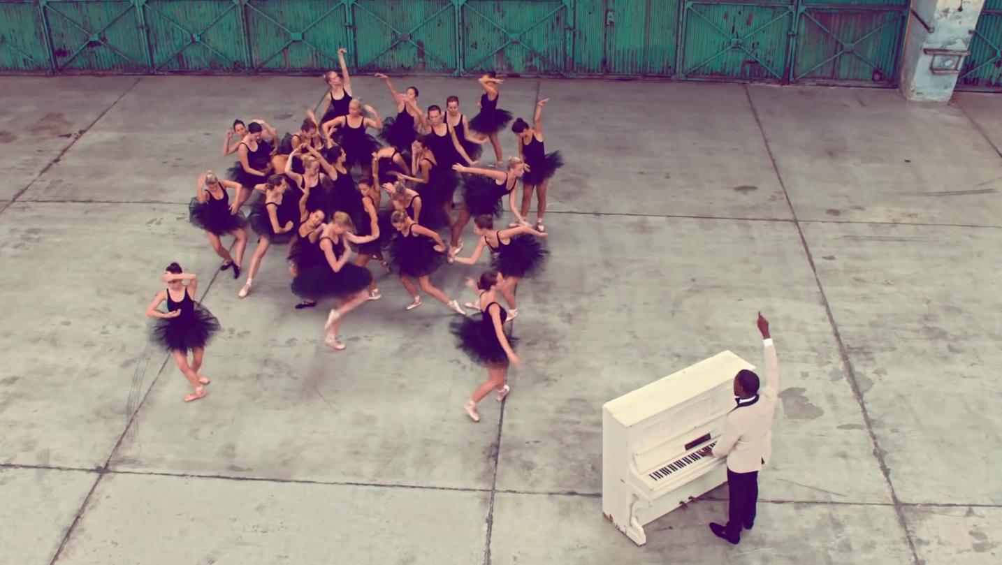 Kanye West Runaway Kanye Running Away Kanye West