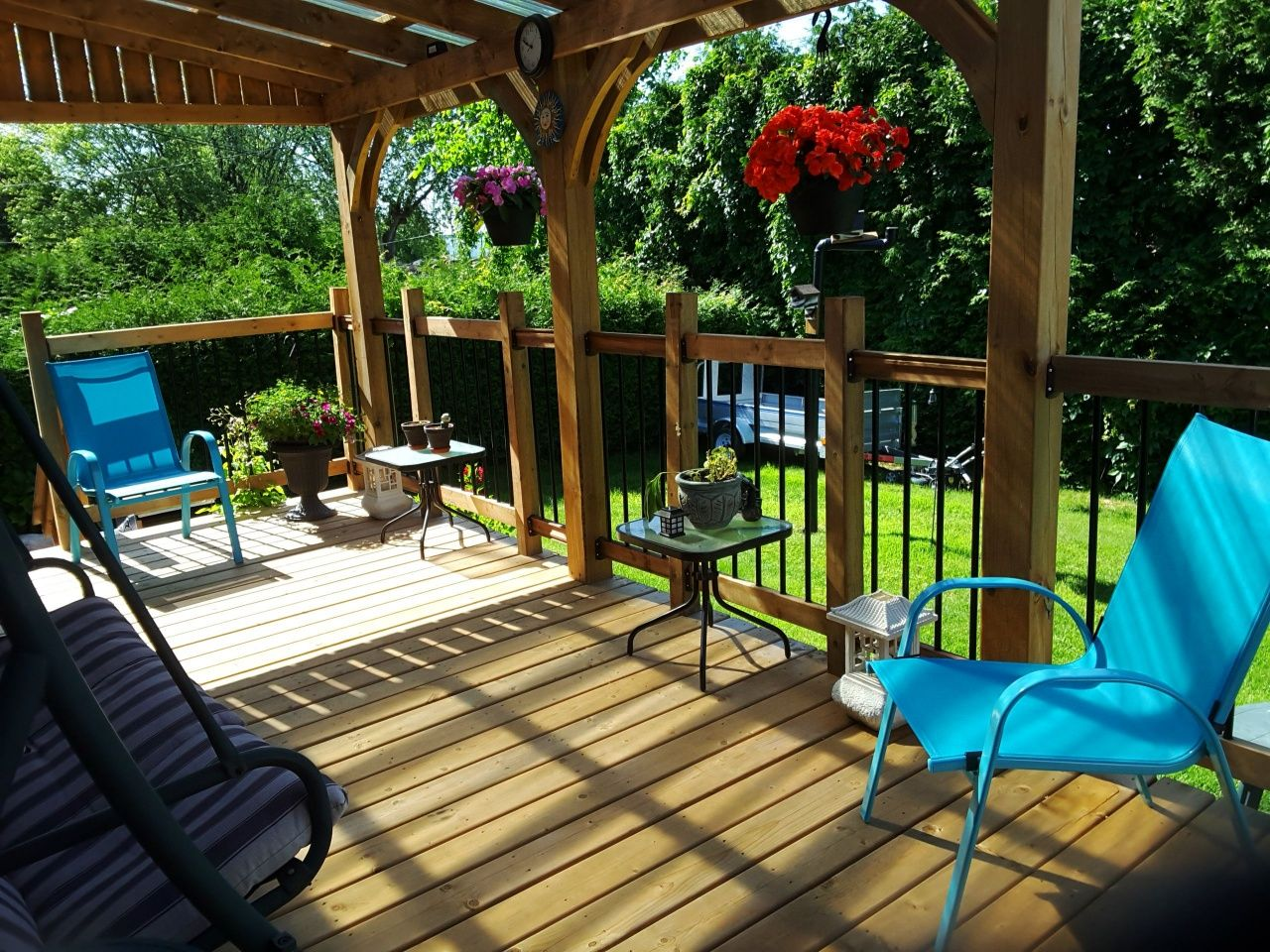 How To Build A Roof Over A Patio Construire Une Veranda In 2019 Outdoor Furniture From How To Build A Roof Over A Patio In 2020 Backyard Patio Deck Vs Patio Patio