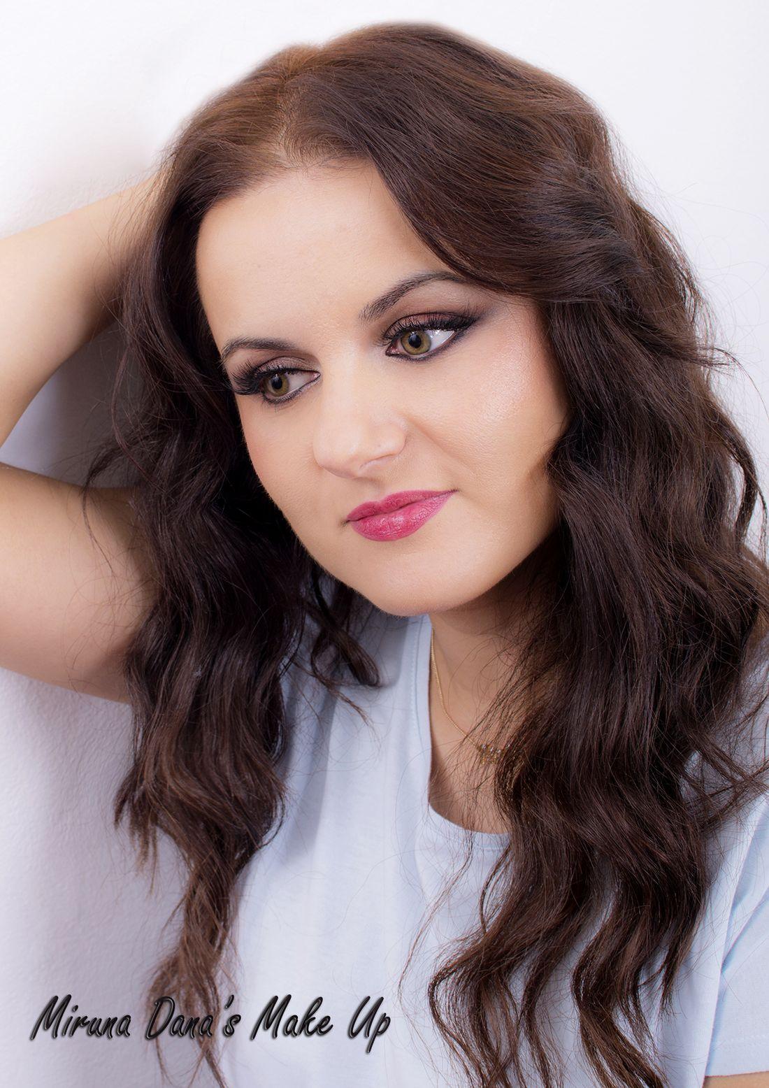 Luminous Makeup For Iarina...