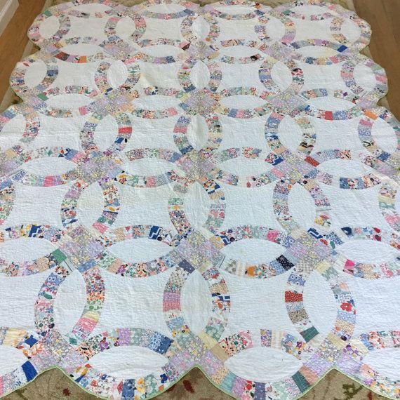Vintage Double Wedding Ring Patchwork Quilt Green Pastel Feedsack ... : double patchwork quilt - Adamdwight.com