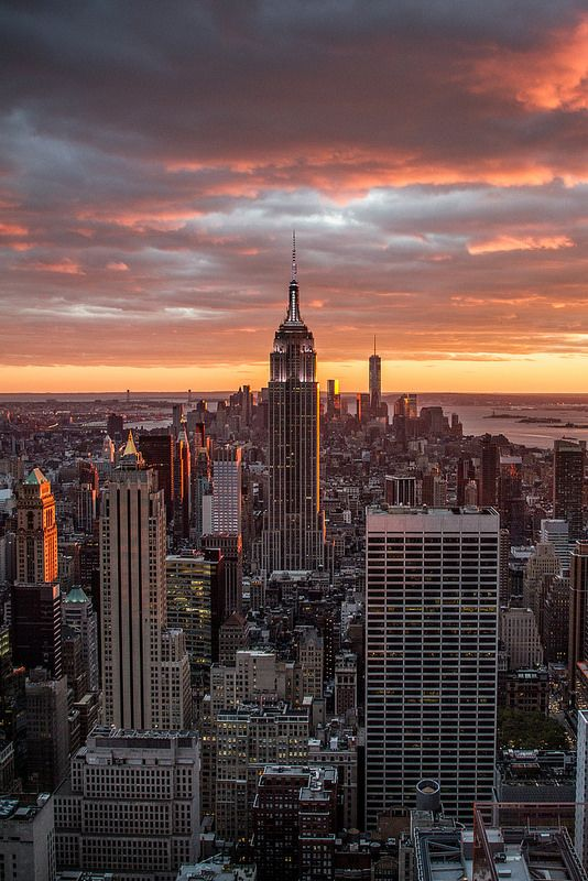 You can't beat a NYC sunset. | New york wallpaper, New ...