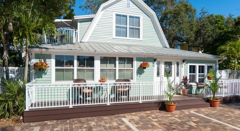 SeaGlass Inn Bed and Breakfast, Melbourne Beach, FL - Booking.com