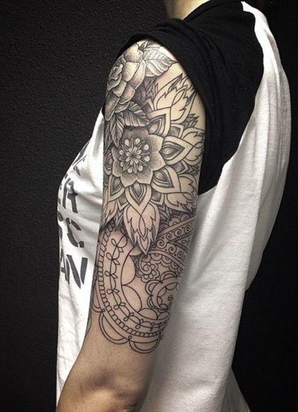 Schwarz Weiße Tattoo Idee Für Damen Kreative Tattoovorlage