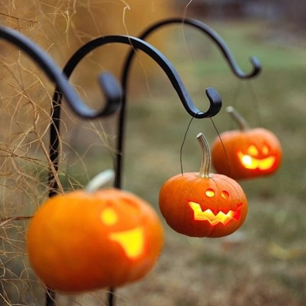 Halloween Homemade Scary Decorations in 50  Amazing Pictures Ideas