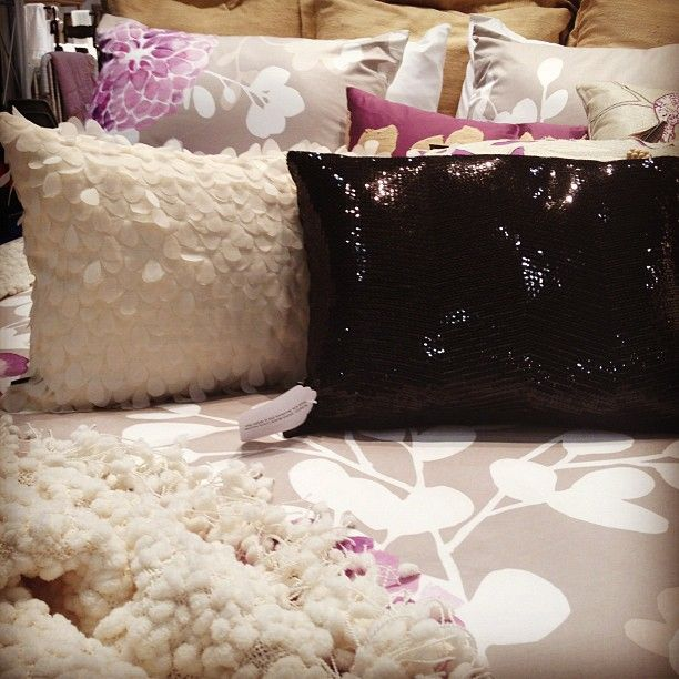 love these pillows! Get free shipping at Dormify <3 http://www.studentrate.com/StudentRate/all/get-all-student-deals/Dormify-Student-Discounts--/0