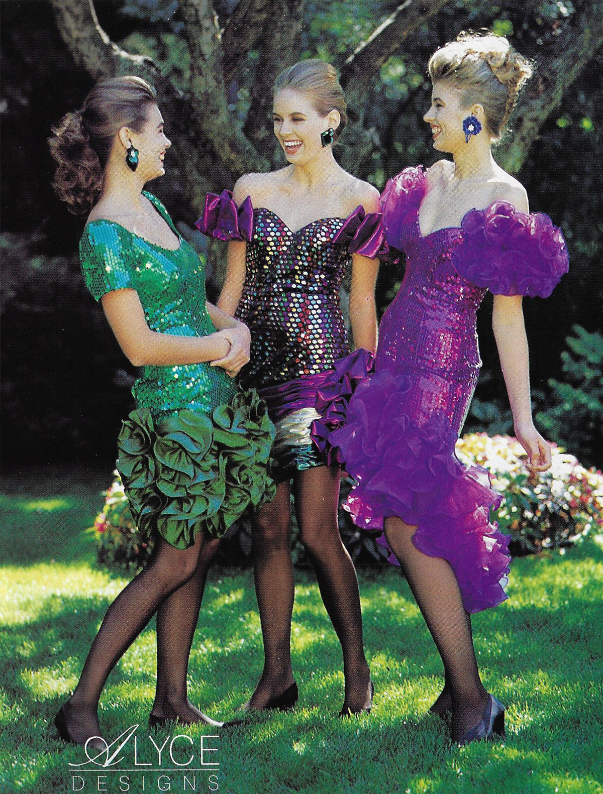 Just Seventeen October 1990 Fashion S Become A Full Fledged Prom Dresses Vintage 80s Prom Dress 80s Party Outfits [ 1581 x 1200 Pixel ]