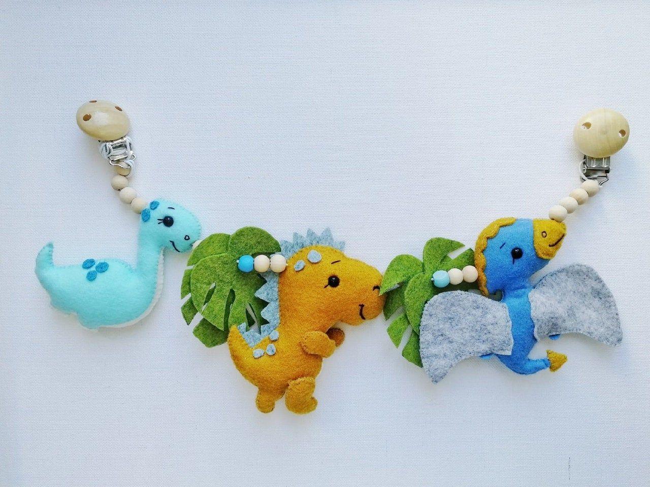 Dino pram chain