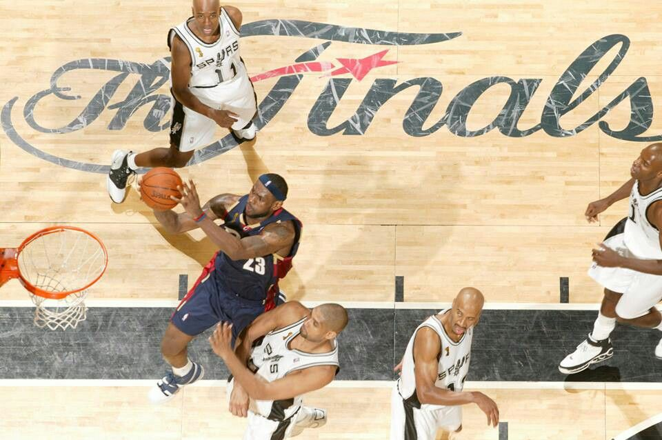 Game 1, 2007 NBA Finals: Cavs vs. Spurs (With images) | Nba, San ...