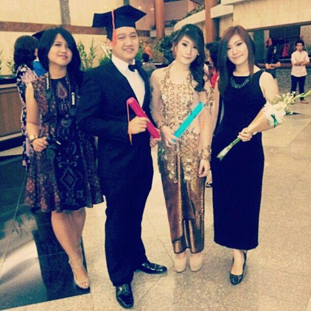 Photo of Happy graduation day my twin sister @angellieagatha and my cousin giri with @ati…