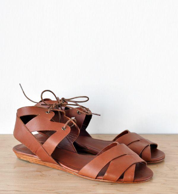 // Ariana Bohling | Cognac Riki Sandal