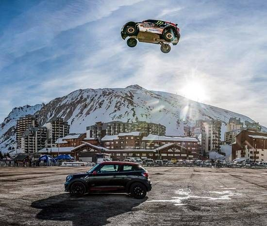 Fierce Crash Ends World's Longest Car Jump Attempt (VIDEO